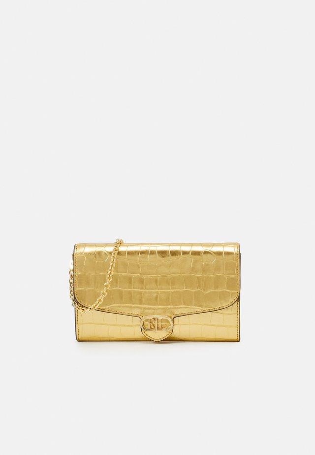 LARGE CROC - Wallet - antique gold-coloured