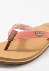 Reef - CUSHION - Sandály s odděleným palcem - cantaloupe - 2