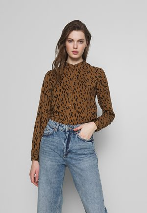 PCKAITLYN  - Button-down blouse - toasted coconut