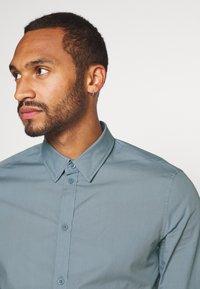 Pier One - Formální košile - stone blue - 3