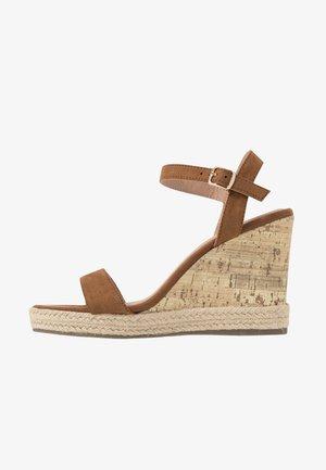 PERTH - Sandály na vysokém podpatku - tan