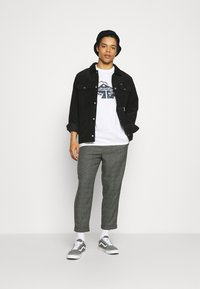 Vintage Supply - CASUAL CHECK TROUSER - Trousers - black - 1