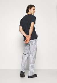 Jaded London - REALISTIC PRINT - Relaxed fit jeans - blue - 2
