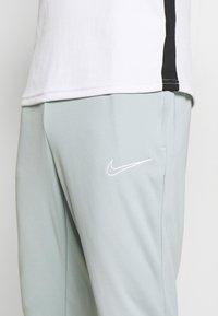Nike Performance - ACADEMY 21 PANT - Träningsbyxor - light pumice/white - 4