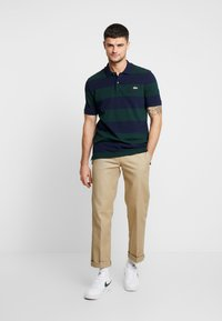 Lacoste LIVE - Polo - sinople/navy blue - 1