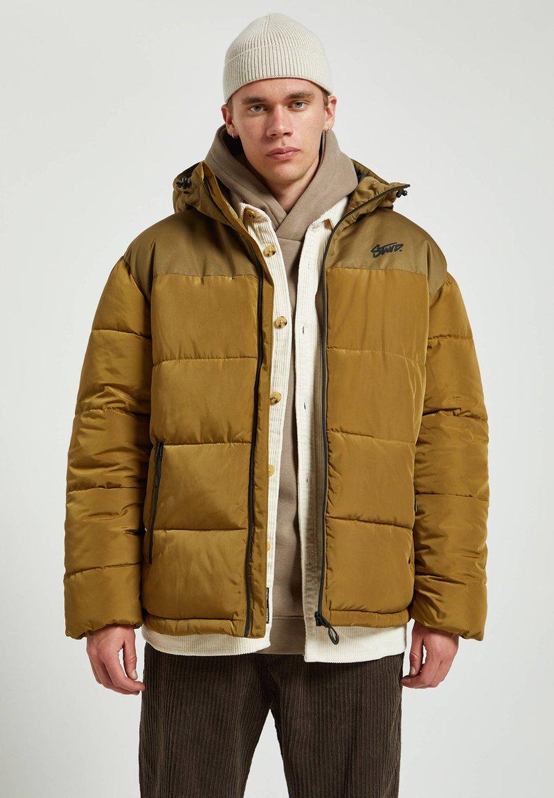 PULL&BEAR - Winter jacket - yellow