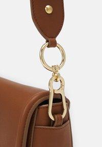 See by Chloé - Mara Crossbody - Across body bag - caramello - 6