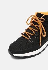 Timberland - SPRINT TREKKER MID WP ULTD - High-top trainers - black/orange - 6