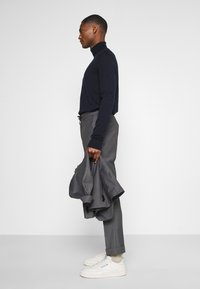 Isaac Dewhirst - UNSTRUCTURED DRAWCORD  - Completo - grey - 6
