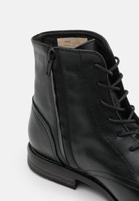 Sneaky Steve - SHANK - Lace-up ankle boots - black - 5