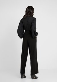 Opening Ceremony - SIDE SLIT PANT - Trousers - black - 2