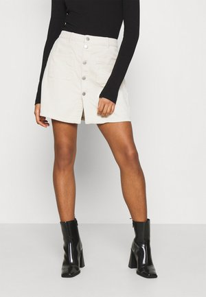JDYSHIRAZ LIFE SHORT SKIRT - Mini skirt - silver birch