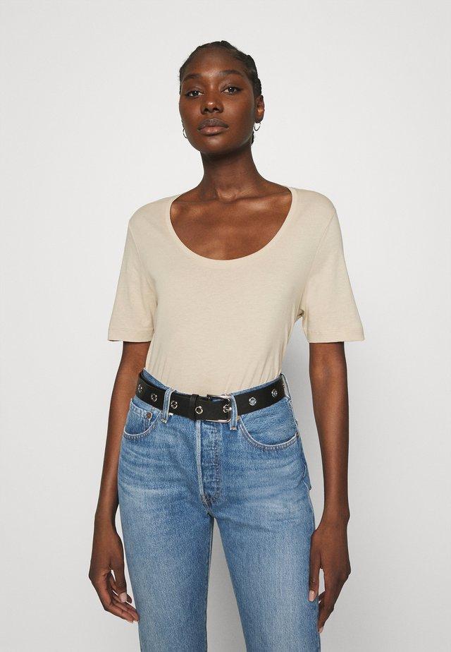 SLFSTANDARD U-NECK TEE COLOR - T-shirt basic - white pepper