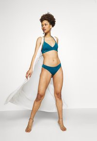 O'Neill - BAAY - Bikini - resort - 1