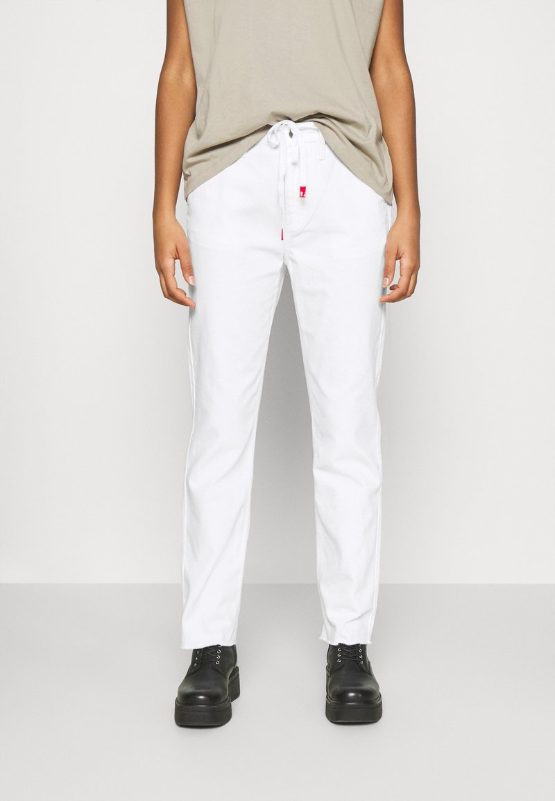 Vans - MAKE ME YOUR OWN - Trousers - white