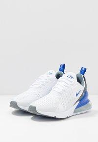 Nike Sportswear - AIR MAX 270 - Sneakers basse - white/hyper royal/pure platinum - 3