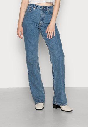 ONLCAMILLE LIFE WIDE - Straight leg jeans - medium blue denim