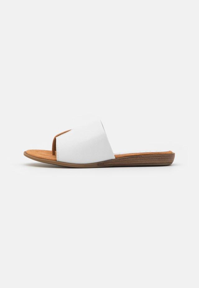 ACHO - Tongs - white