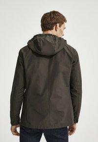 Massimo Dutti - MIT KAPUZE  - Summer jacket - khaki - 1