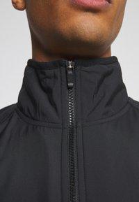 Nike Sportswear - WINTER - Forro polar - black - 5