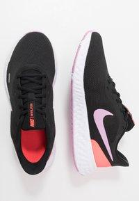 Nike Performance - REVOLUTION 5 - Neutral running shoes - black/beyond pink/flash crimson - 1