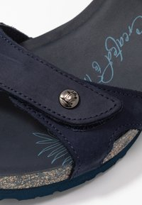 Panama Jack - JULIA BASICS - Sandali con zeppa - dunkelblau - 2
