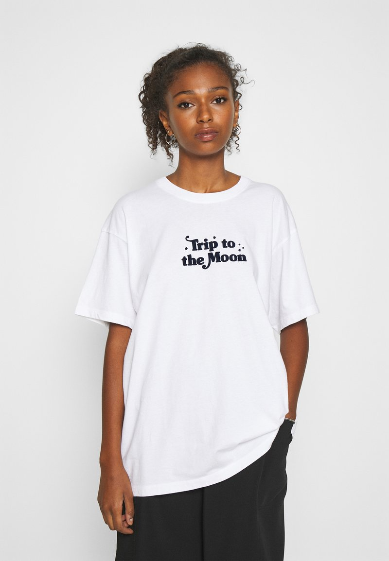 Afends - TRIP TO THE MOON - Print T-shirt - white