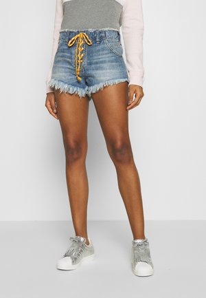 SLOUCHY CUTOFF - Denim shorts - indigo blue