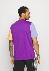 adidas Originals - BLOCKED TREF UNISEX - Print T-shirt - active purple/light purple/hazy orange - 2