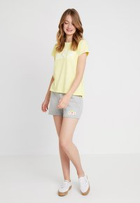 GAP - TEE - Print T-shirt - fresh yellow - 1