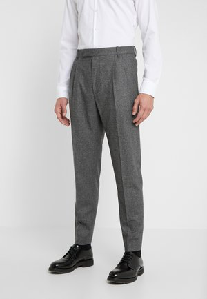 GENTS FORMAL PLEATED TROUSER - Kostymbyxor - grey