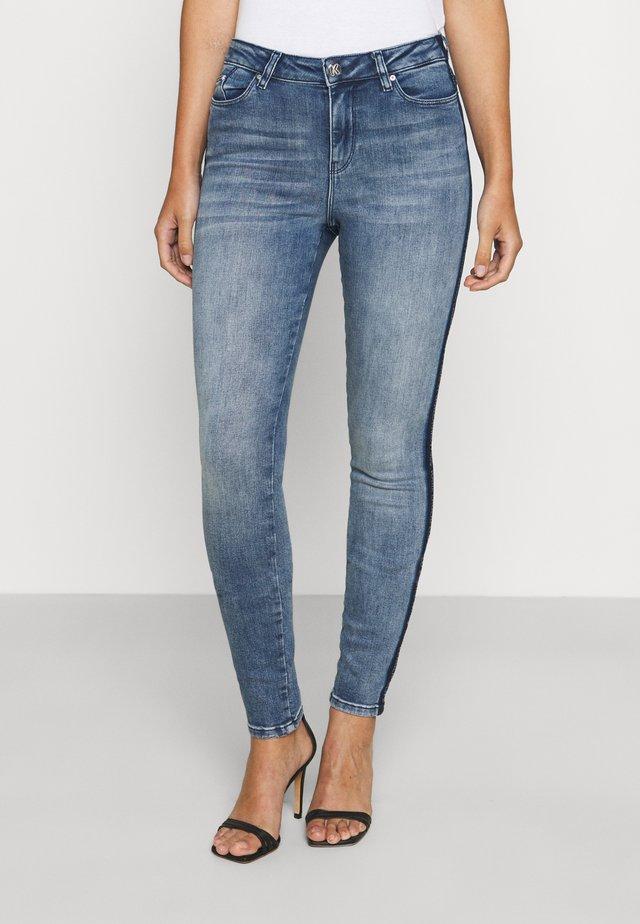 SKINNY DENIM - Jeans Skinny Fit - mid blue