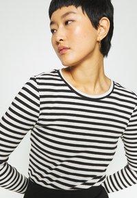 Selected Femme - SLFANNA CREW NECK TEE  - Long sleeved top - black/snow white stripes - 5