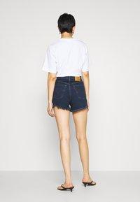 Levi's® - RIBCAGE - Shorts di jeans - charleston blue black - 2