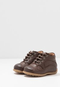 Bisgaard - CLASSIC PREWALKER - Baby shoes - brown - 3
