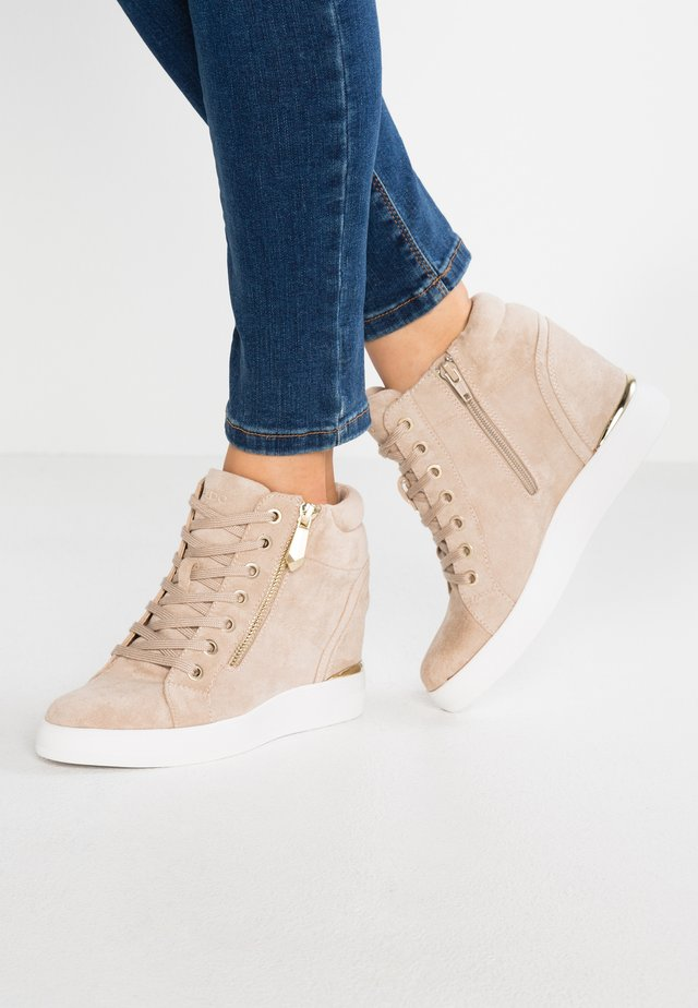 AILANNA - High-top trainers - taupe