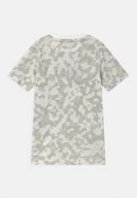 Nike Sportswear - FUTURA - T-shirt med print - summit white - 1