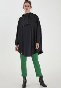 ICHI - IHTAZI  - Waterproof jacket - dark navy - 1