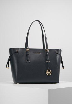 VOYAGER TOTE - Handbag - admiral