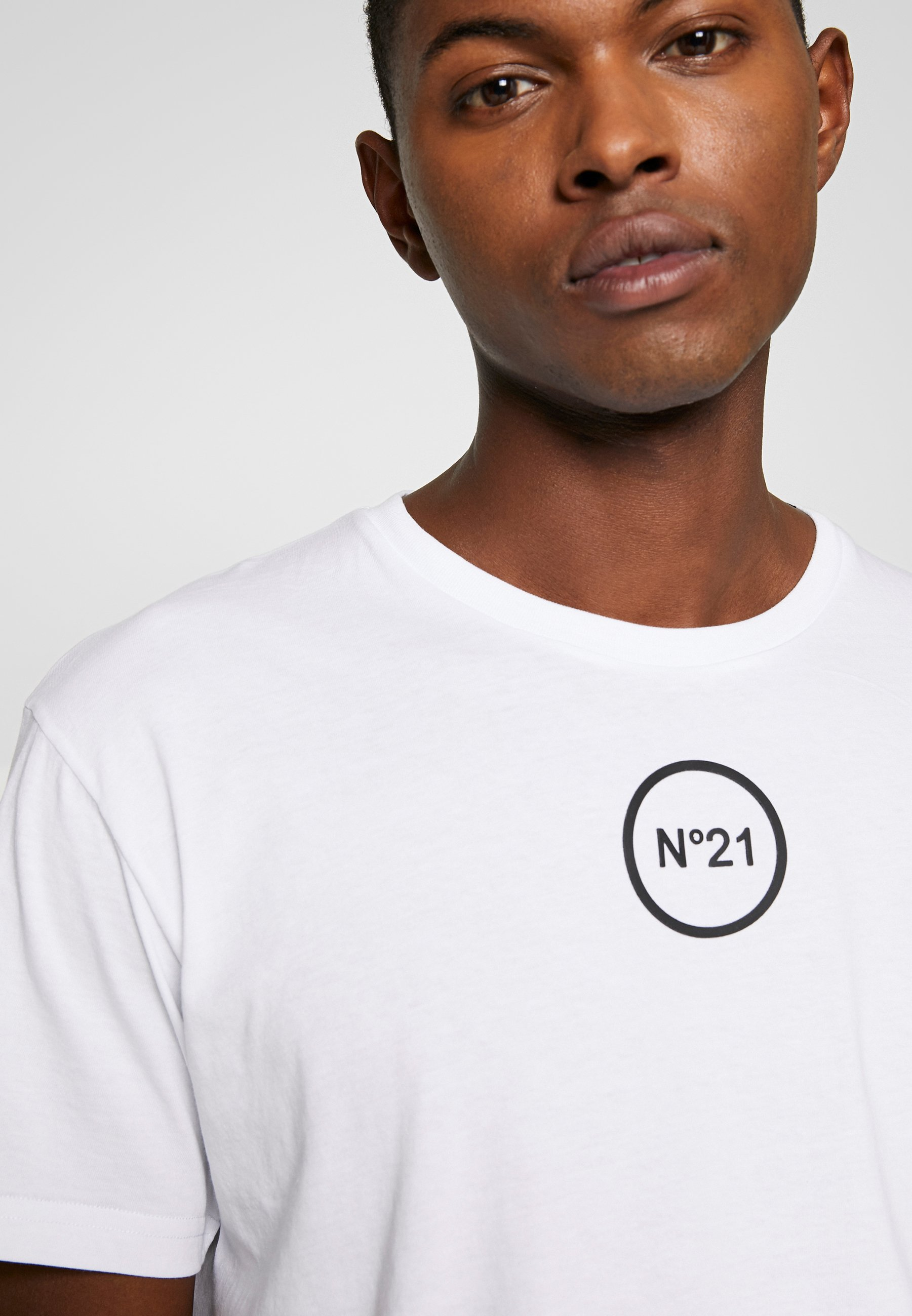 N°21 T-shirt imprimé - white