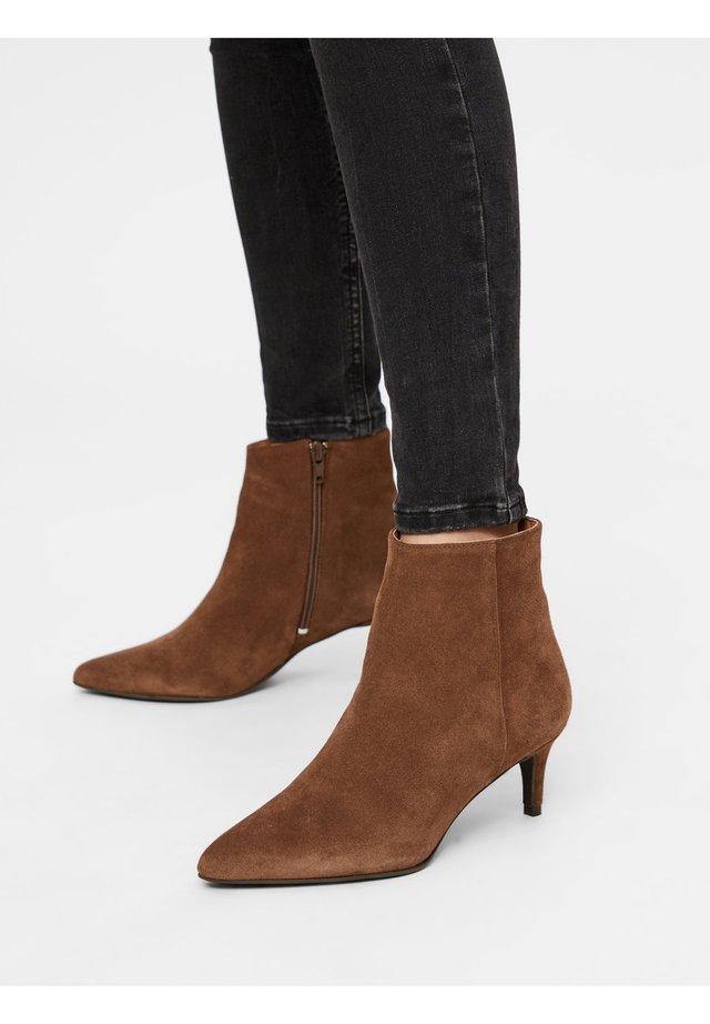 Korte laarzen - mediumbrown1