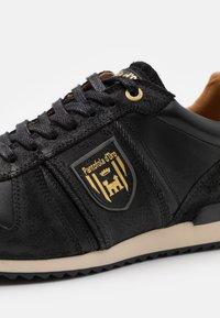 Pantofola d'Oro - UMITO UOMO - Sneakers laag - black - 5