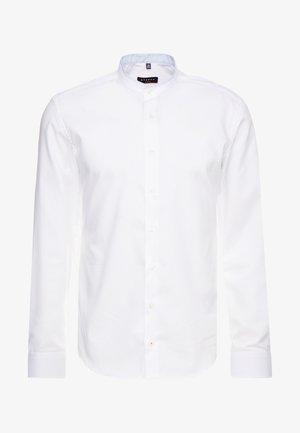 SLIM FIT  PINPOINT - Finskjorte - weiß