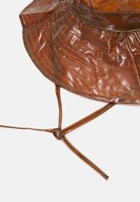Rains - BOONIE HAT UNISEX - Hat - shiney amber - 3