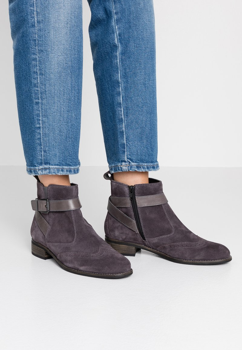 Pier One Wide Fit - Ankle boots - grey