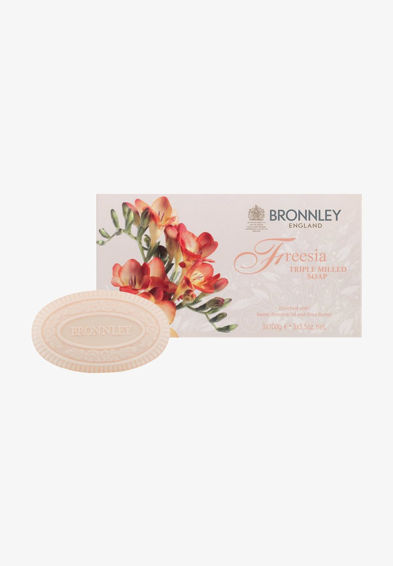 Bronnley - FREESIA TRIPLE MILLED SOAP IN GESCHENKBOX 3X100 G - Soap bar - apricot
