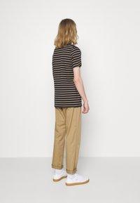 Matinique - JERMANE - Print T-shirt - khaki - 2