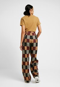 House of Holland - PATCHWORK WIDE LEG TROUSER - Trousers - red/blue/multi - 2