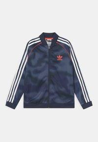 adidas Originals - CAMO SUPERSTAR UNISEX - Giacca sportiva - crew blue/white/solar red - 0