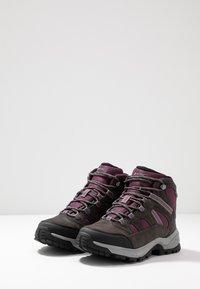 Hi-Tec - BANDERA LITE MID WP WOMENS - Hiking shoes - charcoal/amaranth/light grey - 2